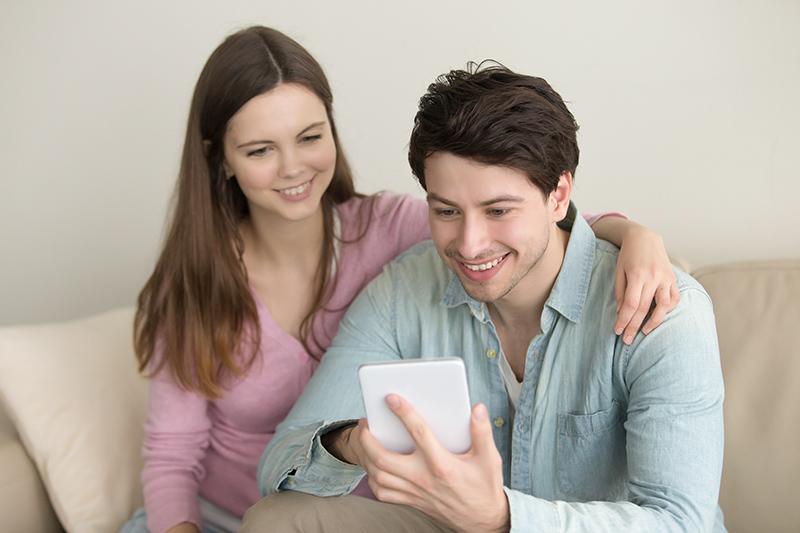 Para planejar um casamento, é importante planilhar todos os custos envolvidos. Foto: Freepik/Yanalya